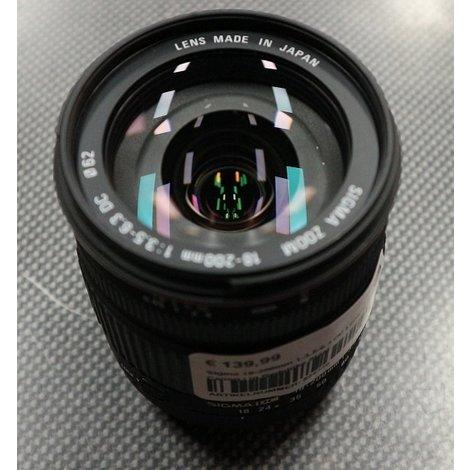 Sigma 18-200mm 1:3.5-6.3 DC Lens - Canon   in Redelijke Staat