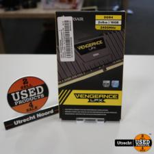 Corsair DDR4 2x8GB 2400Mhz RAM Geheugen   Nieuw