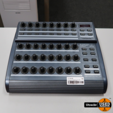 Behringer BCR2000 B-Control Midi Controller   in Nette Staat