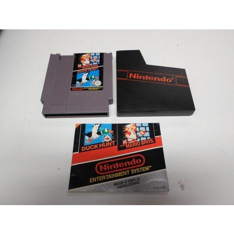 NES game: Duck Hunt Super Mario Bros - Hoes en boekje
