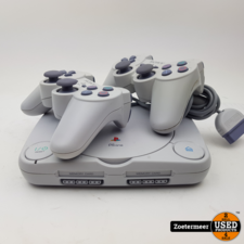 Sony Sony Playstation 1 PS one met 2 controllers