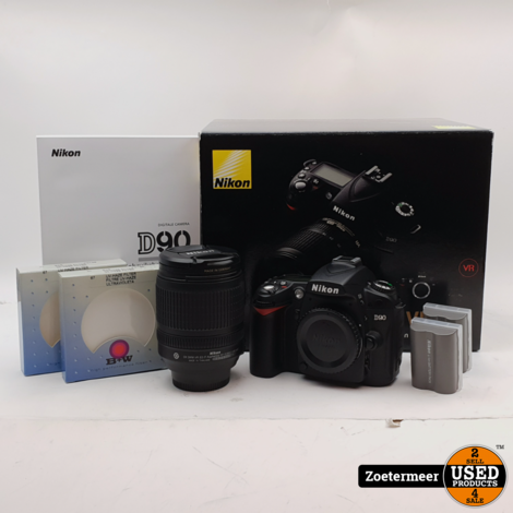Nikon D90 incl 18-105 VR Kit (Incl. o.a. Battery Grip, tas & meer)