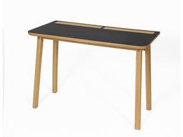 Hioshop Kortny bureau met stijlvolle opberg details, in zwart en eiken.