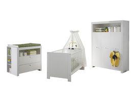 Olja  babykamer set, ledikant, commode met plank achter en 3-deurs kast, wit.