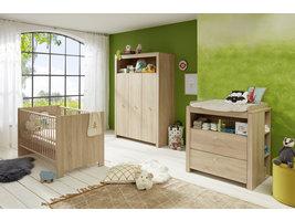 Olja  babykamer set, ledikant, commode met plank achter en 3-deurs kast, eiken decor.