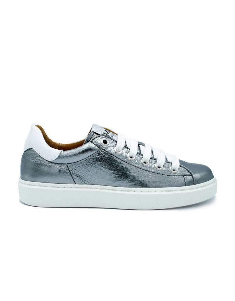 5fc2740045a MAA sneaker silver - Shoe-ette