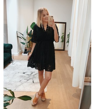 CUTEST LACE DRESS - BLACK