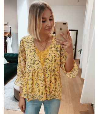 KILKY CUTIE FLOWER TOP - YELLOW