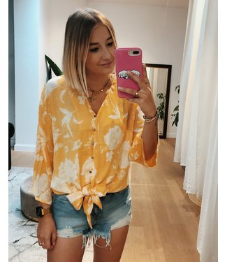KNOTTED FLORAL BLOUSE - YELLOW