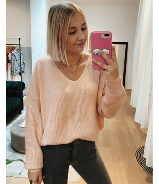 KILKY SOFTEST ROSE V-NECK KNIT