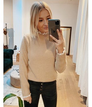 LACE COLLAR KNIT - BEIGE