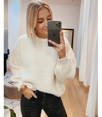 CHUNKY KNIT - WHITE