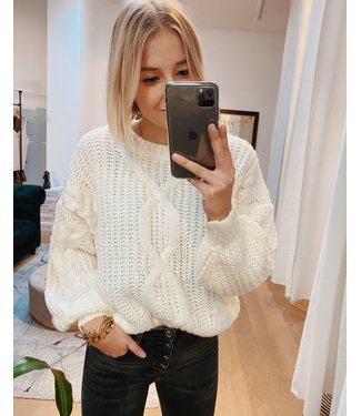 CABLE KNIT - WHITE