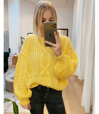 CABLE KNIT - YELLOW