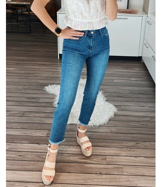 STRAIGHT RUFFLE JEANS