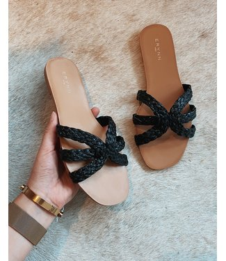 SUMMER VACAY SLIPPERS - BLACK