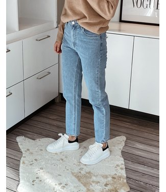 1196 MOM JEANS