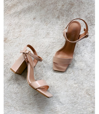 MUSTHAVE SQUARE HEELS - NUDE