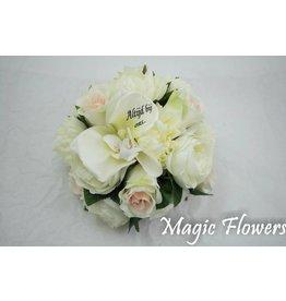 Magic Flowers Witte biedermeier met bedrukte bloem