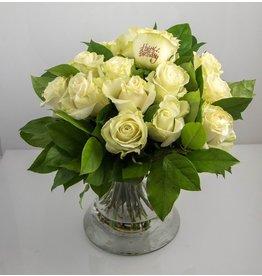Magic Flowers Boeket 15 rozen - Wit - Happy Birthday