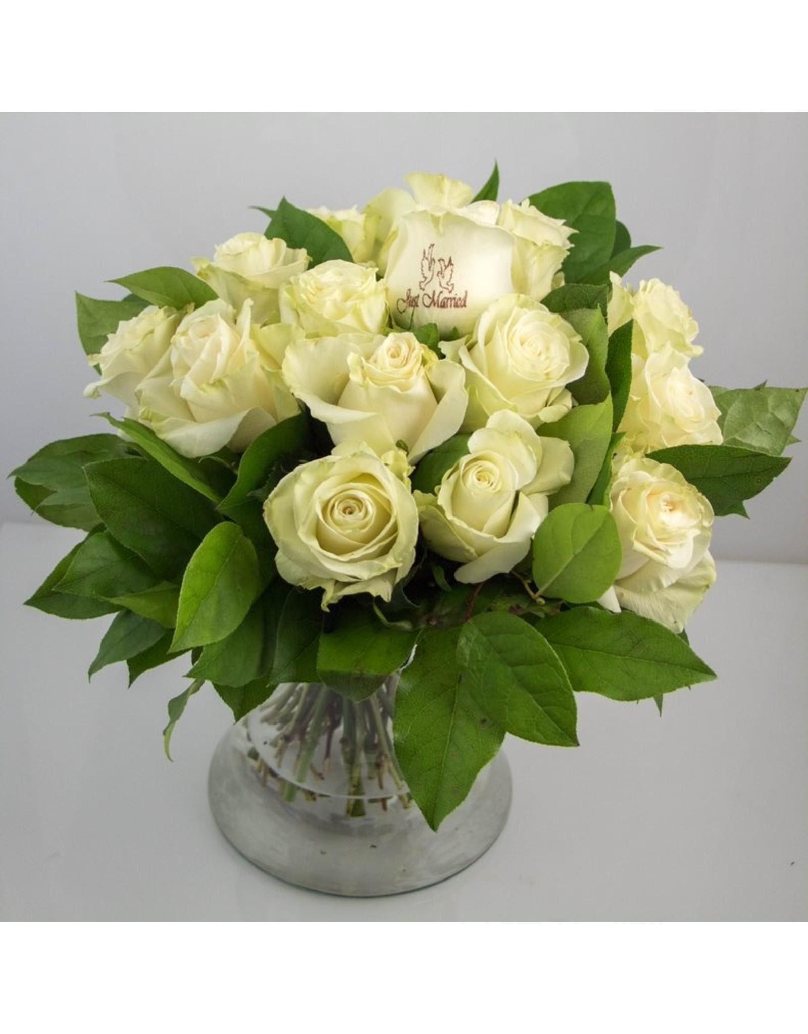 Magic Flowers Boeket 15 rozen - Wit - Just Married