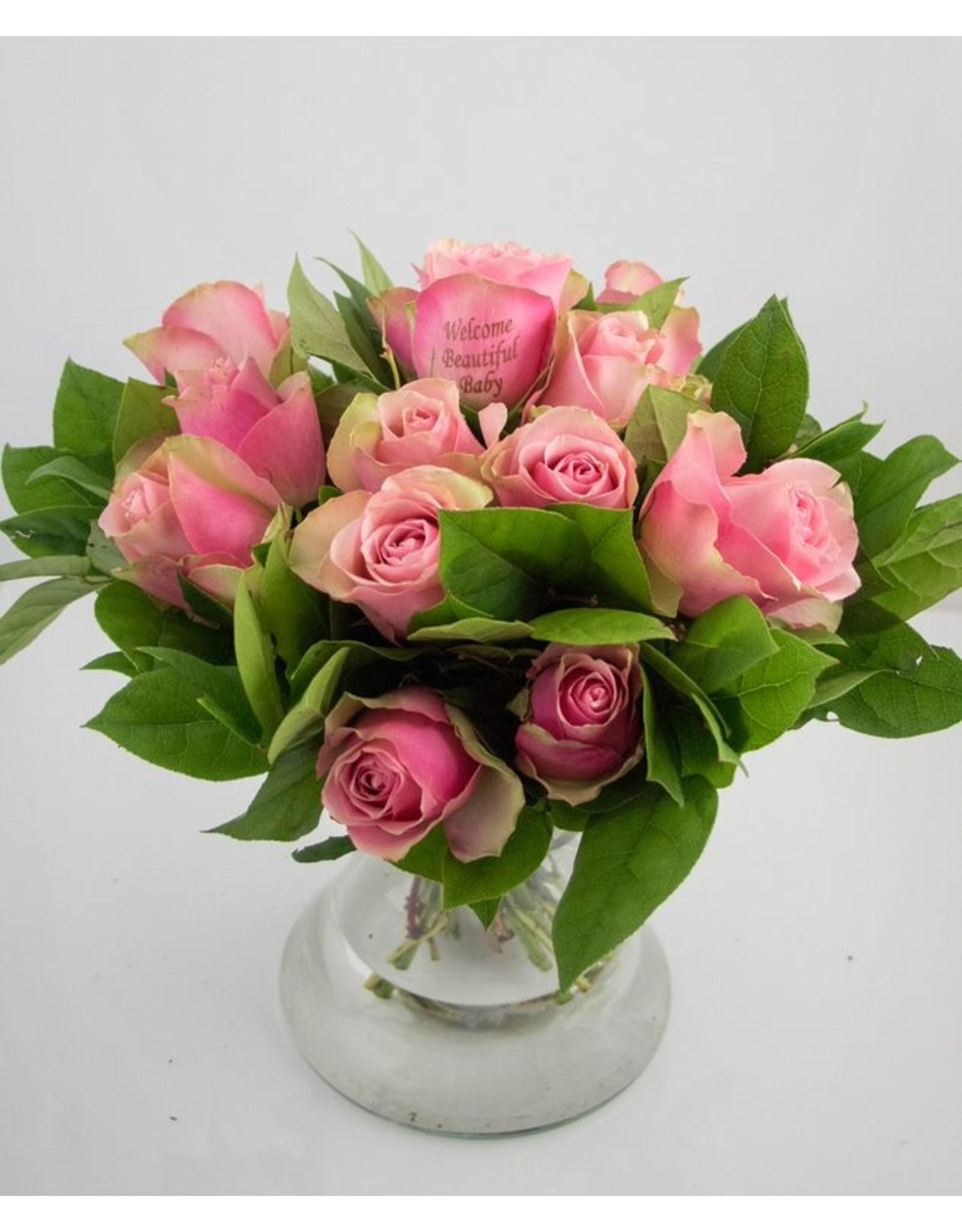 Magic Flowers Boeket 15 rozen - Roze - Welcome Beautiful Baby