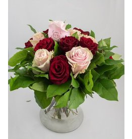 Magic Flowers Boeket 15 rozen - Rood/Roze - Mr&Mrs