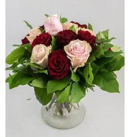 Magic Flowers Boeket 15 rozen - Rood/Roze - Just Married