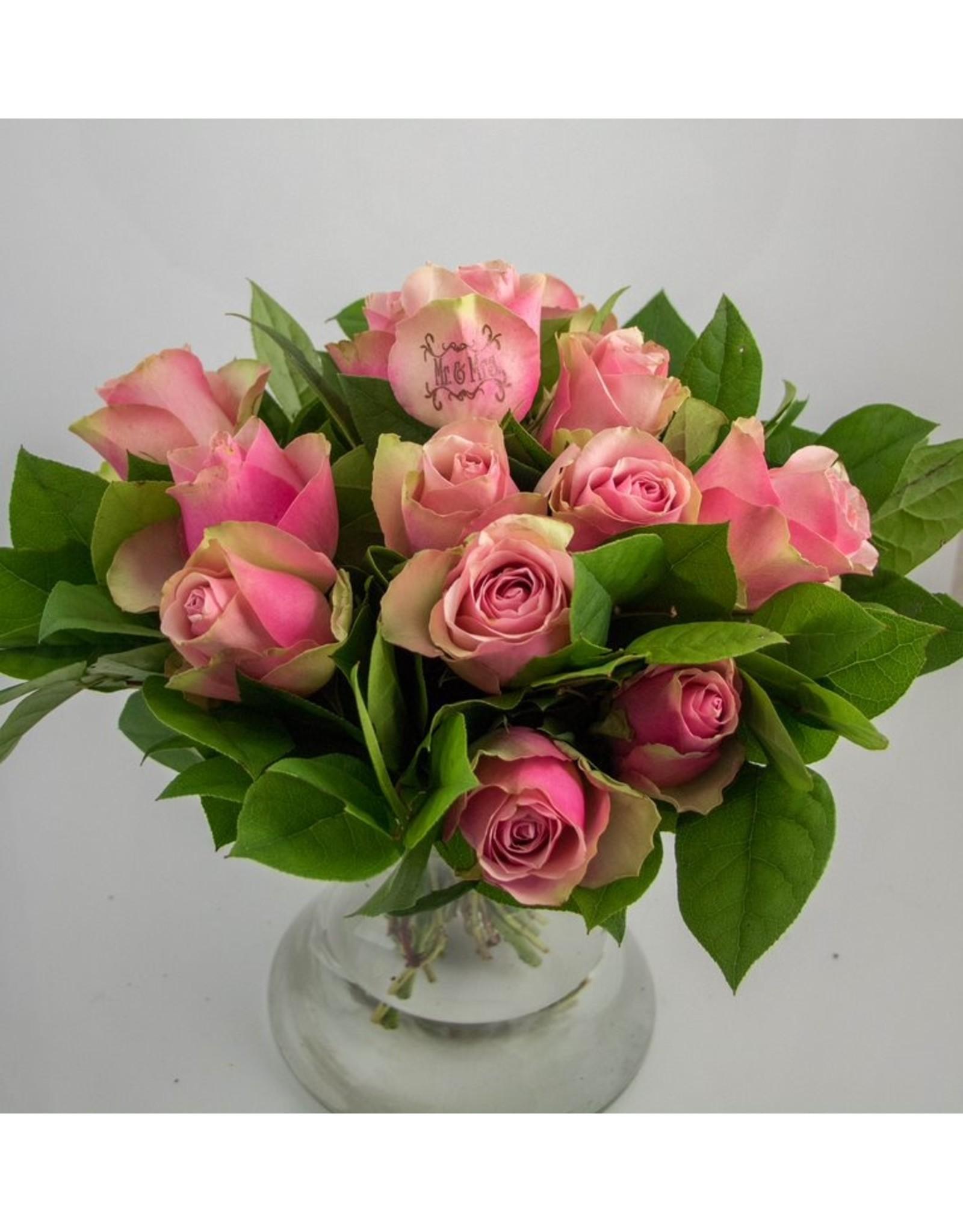Magic Flowers Boeket 15 rozen - Roze - Mr&Mrs