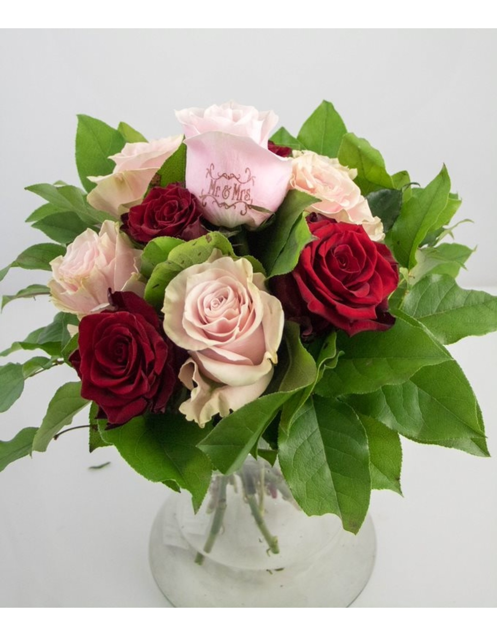 Magic Flowers Boeket 9 rozen - Rood/Roze - Mr&Mrs