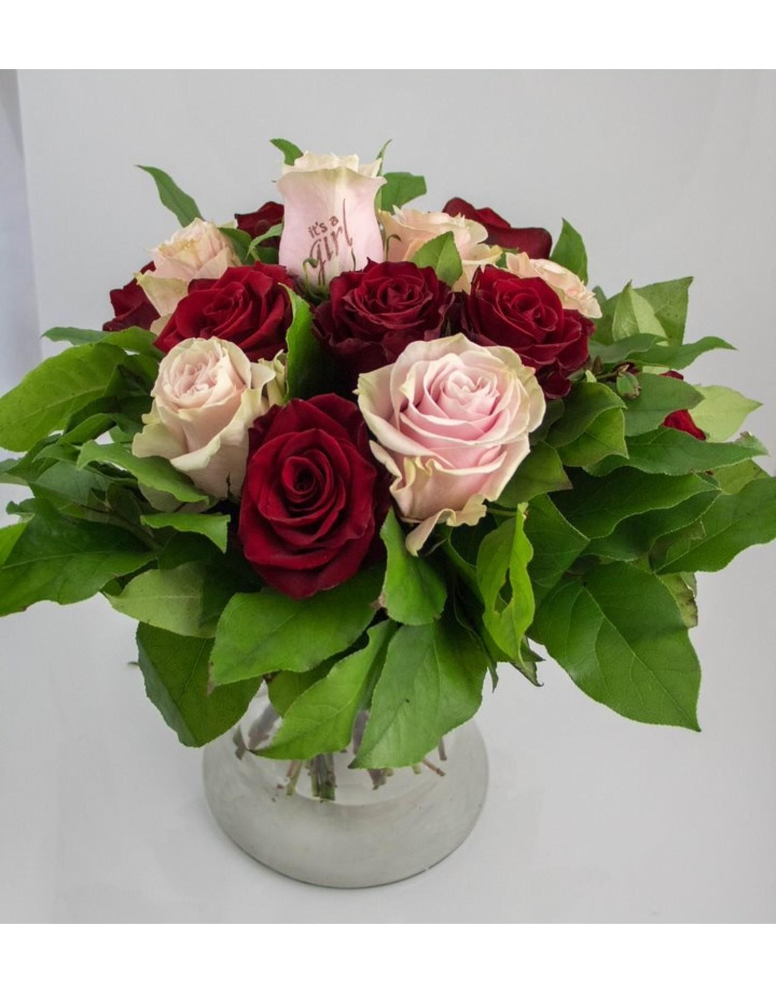 Magic Flowers Boeket 15 rozen - Rood/Roze - It's a Girl