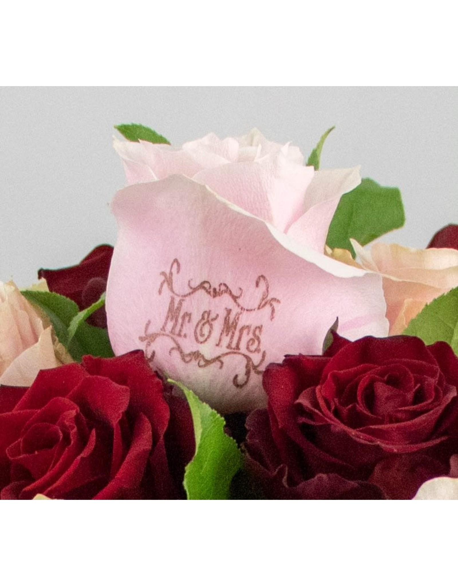 Magic Flowers Boeket 15 rozen - Rood/Roze - Mr&Mrs