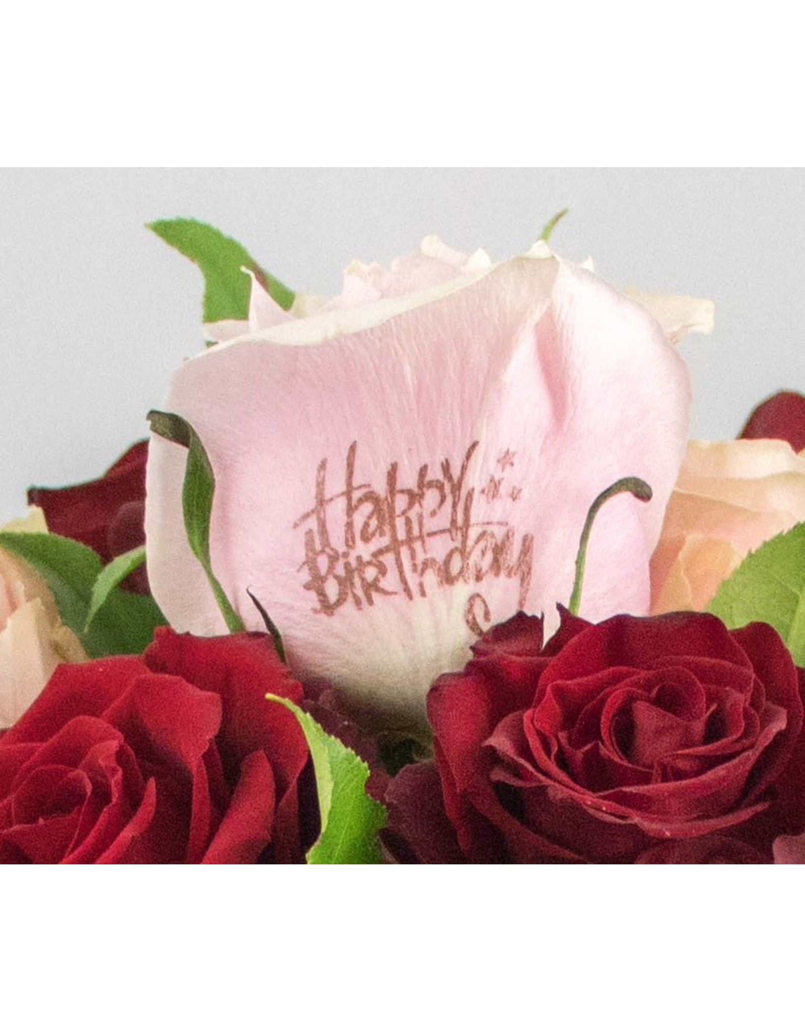 Magic Flowers Boeket 9 rozen - Rood/Roze - Happy Birthday