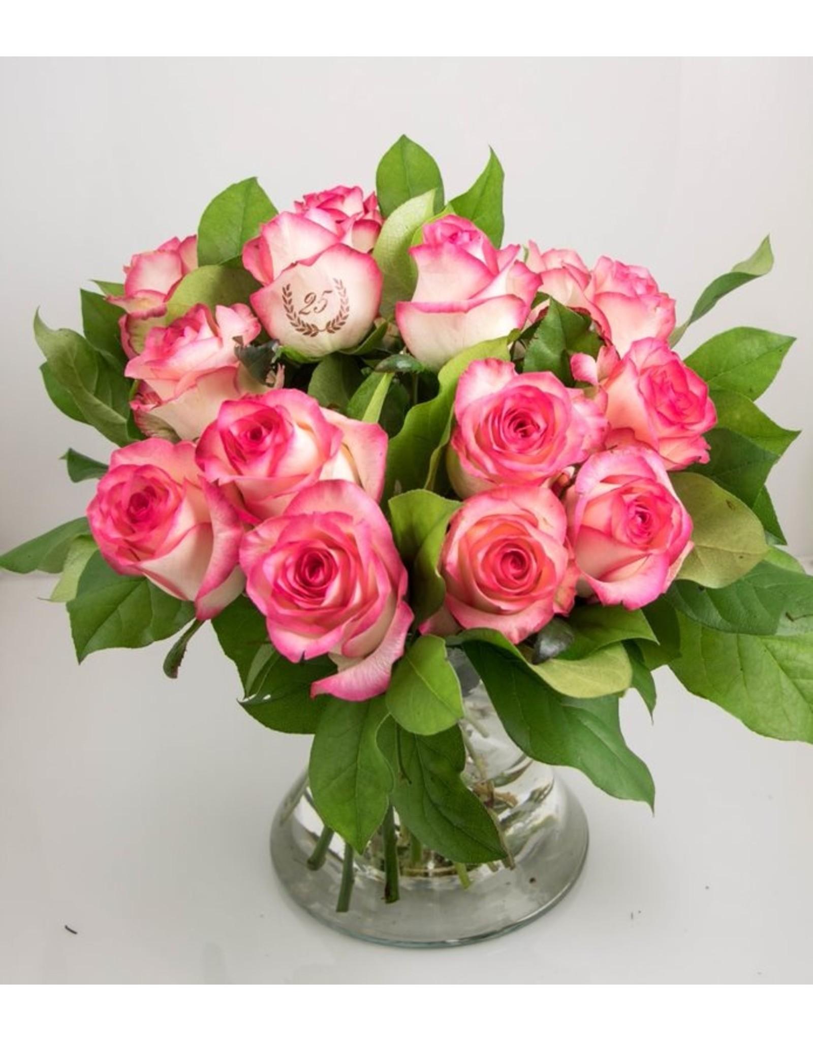 Magic Flowers Boeket 15 rozen - Wit/Roze - 25