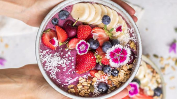 Breakfast goals: How to make an açai bowl yourself!