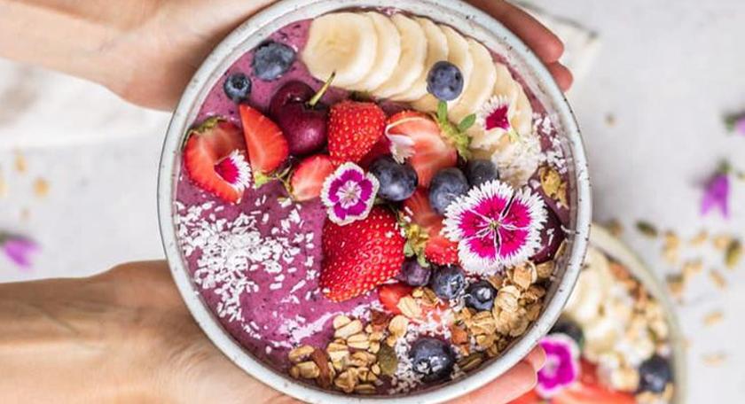 Breakfast goals: How to make an açai bowl yourself!