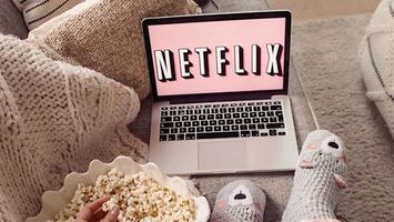 Bingeworthy Netflix series voor elke fashion babe!