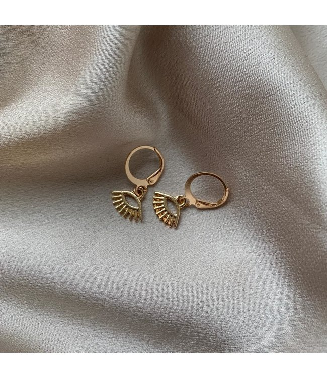 SELECTED BY DIORDIE Eyes on the prize earring
