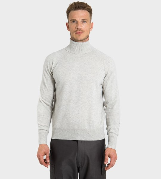 Ribbed Cashmere Turtleneck