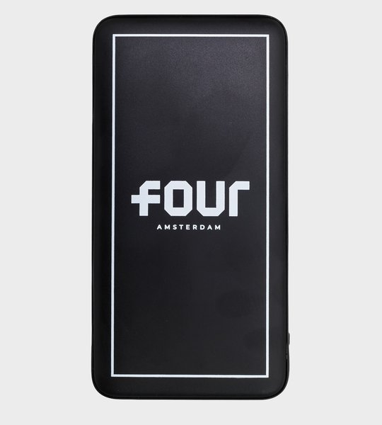FOUR Powerbank