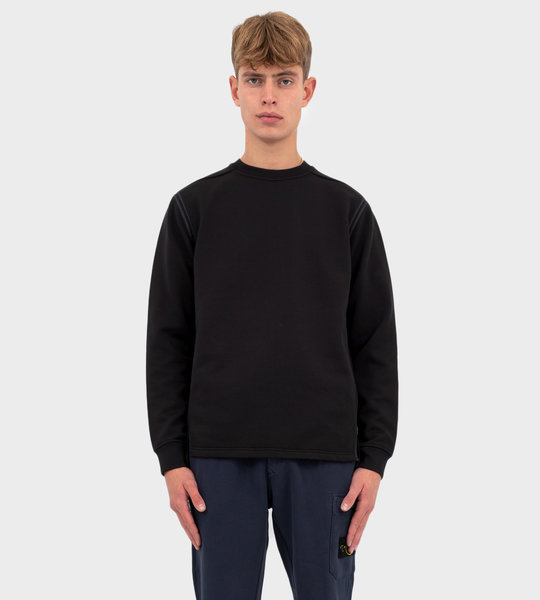60207 Engineered Pill Crewneck Black