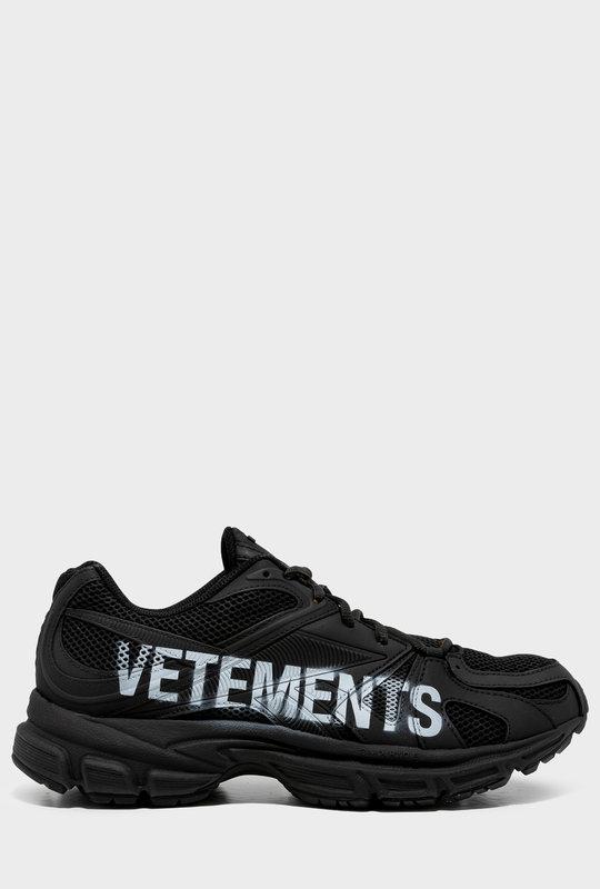 Spike Runner Sneakers Black