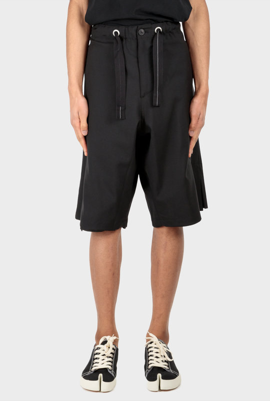 Frieze Shorts Black