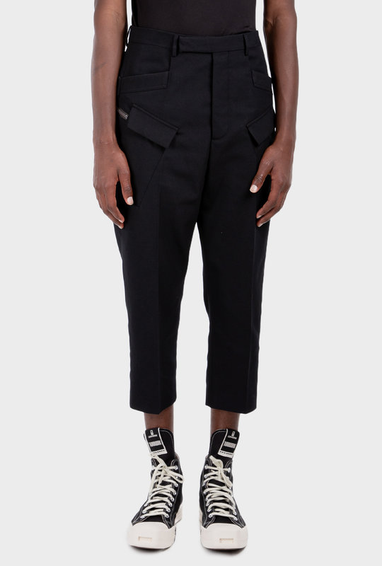 Multiple-Pocket Cropped Trousers Black