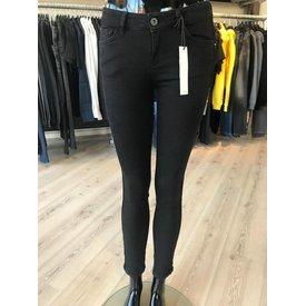 Pure White Jeans Black