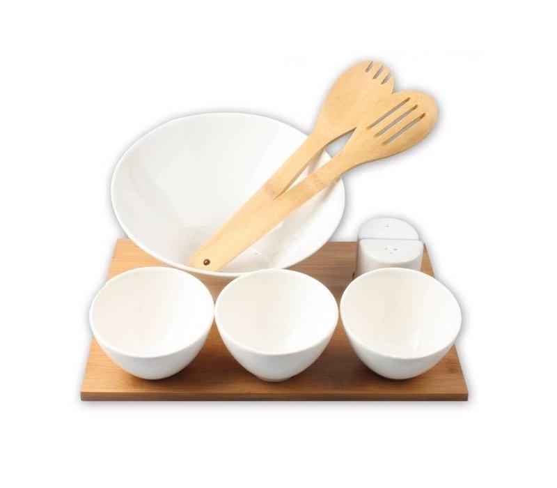 Salade schaal, lepels en kommen van bamboe