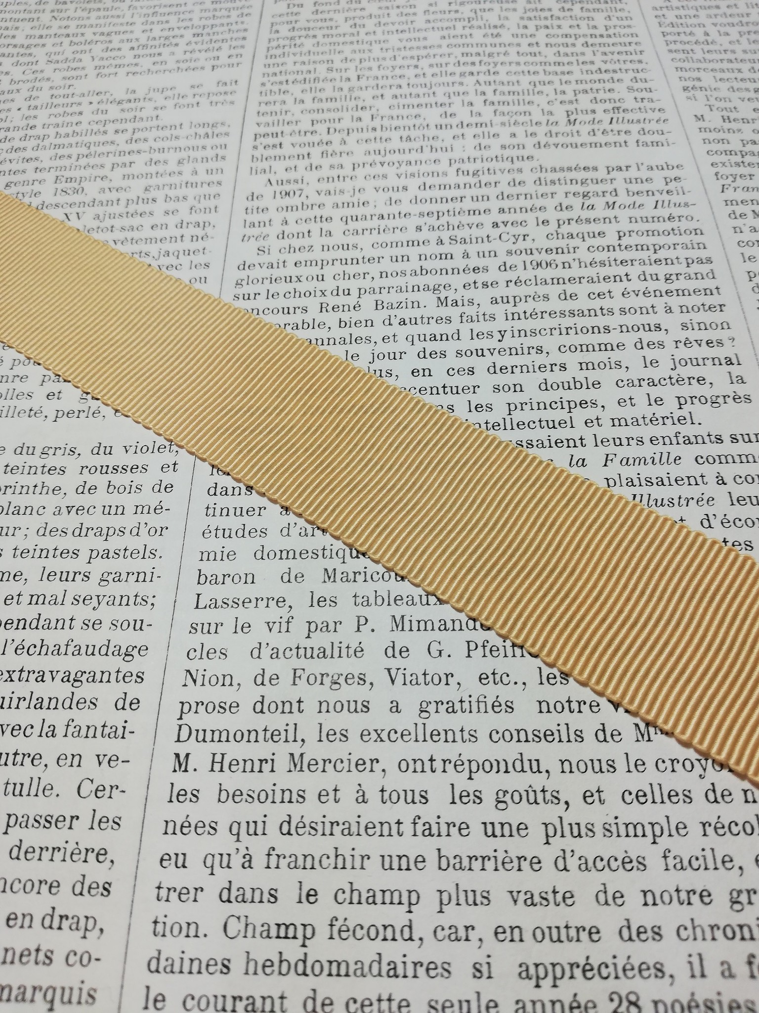 Petersham ribbon in different colors and widths.