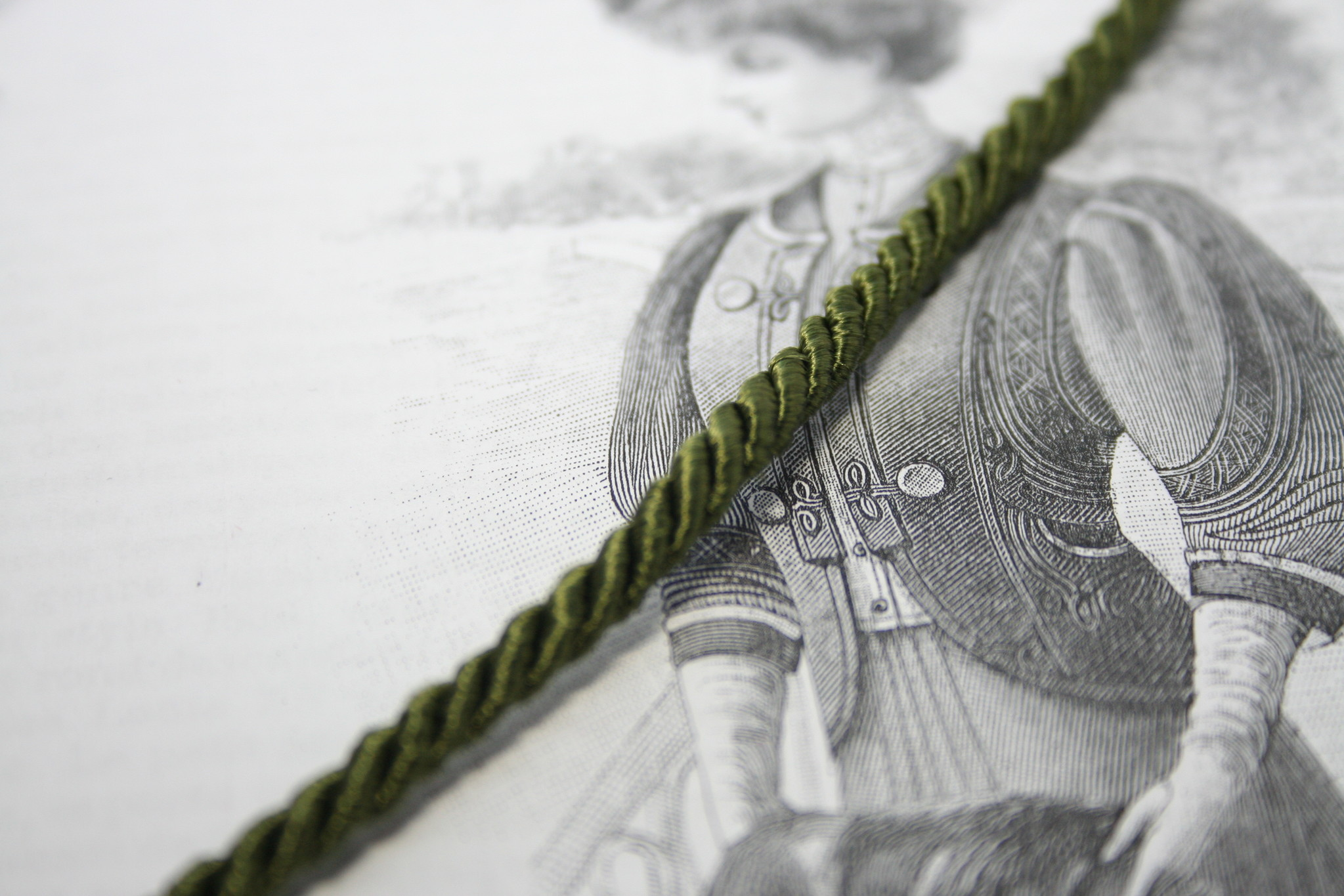 Twisted cord in army green.