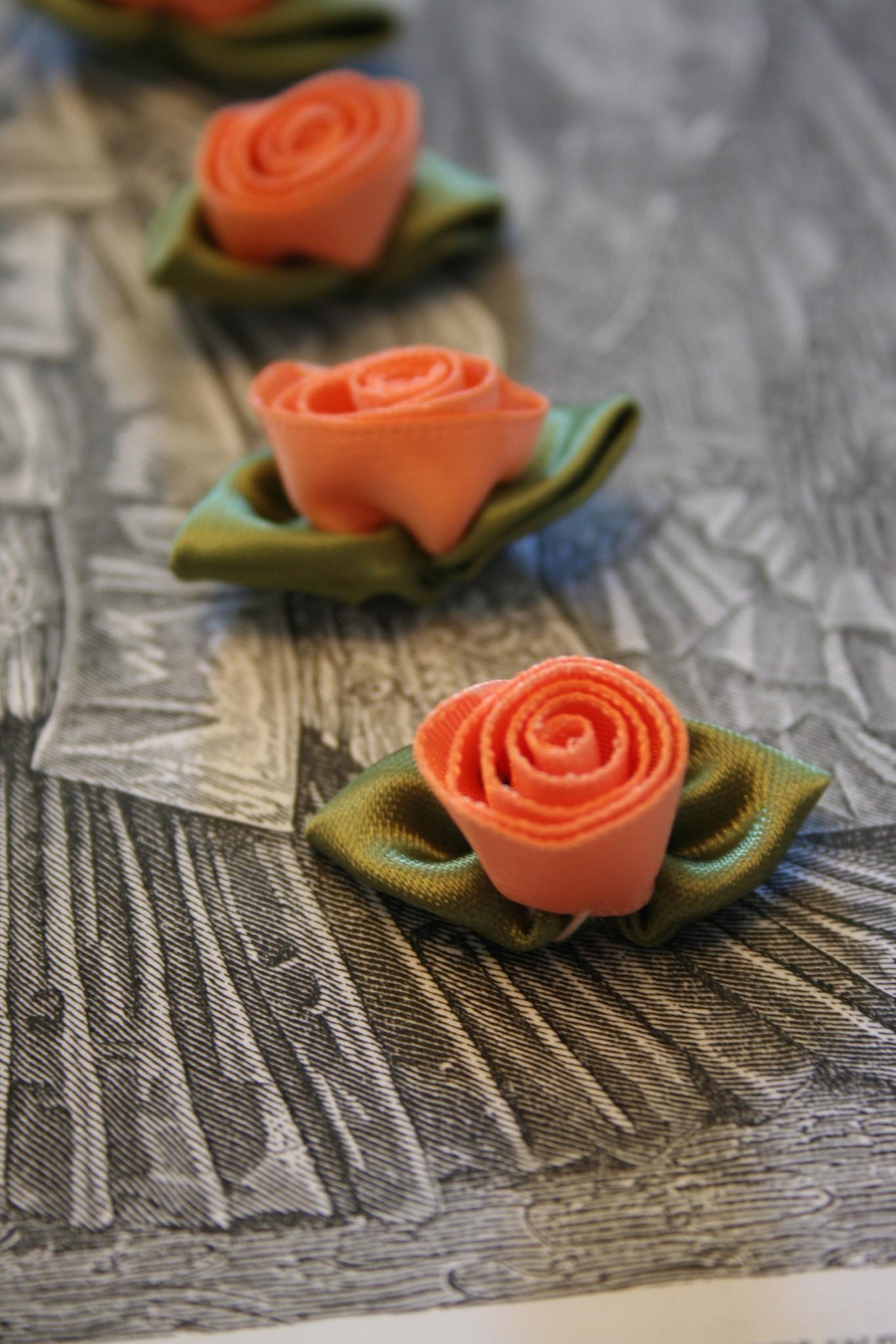 Gutermann satijnen roosjes.