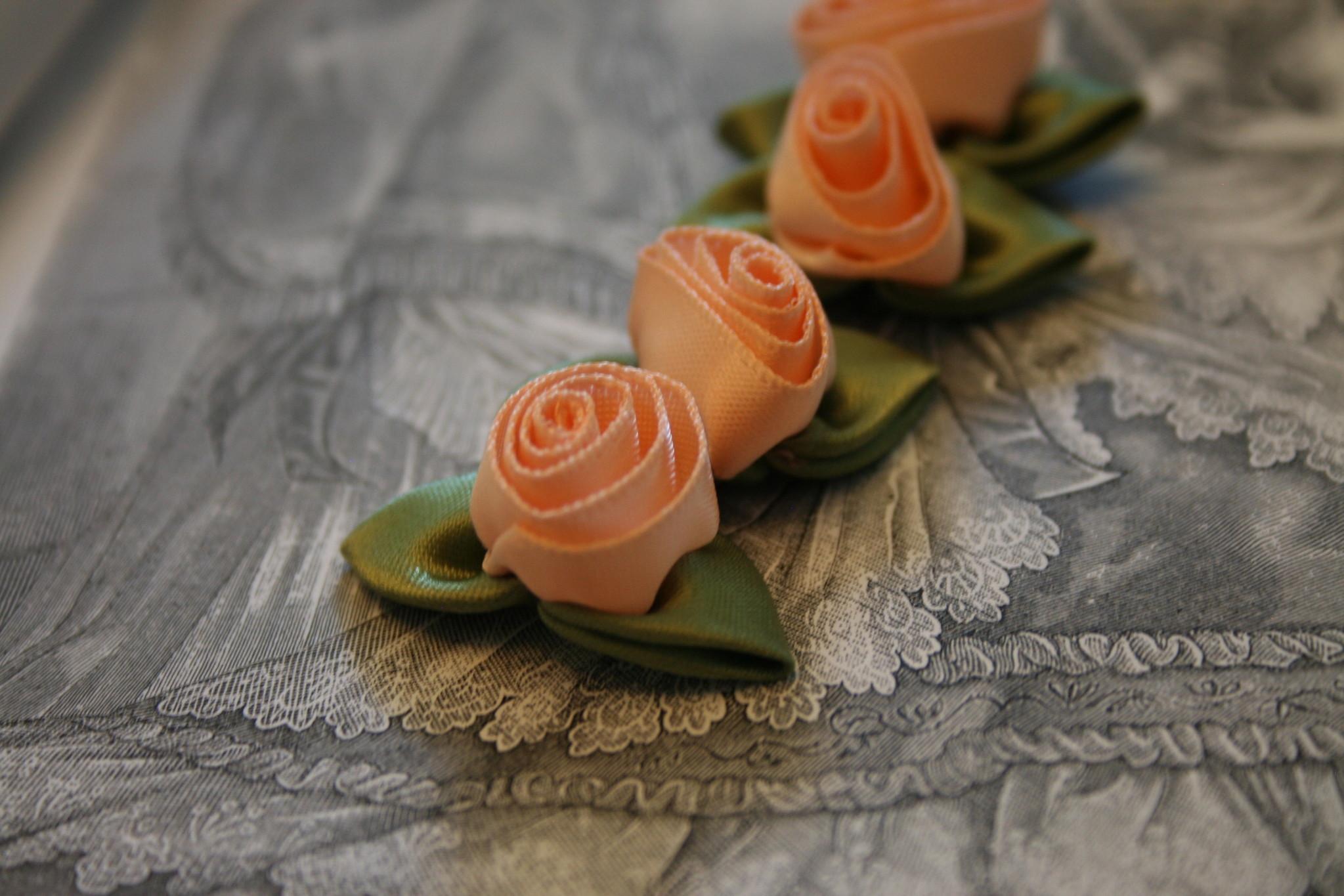Gutermann satin roses.